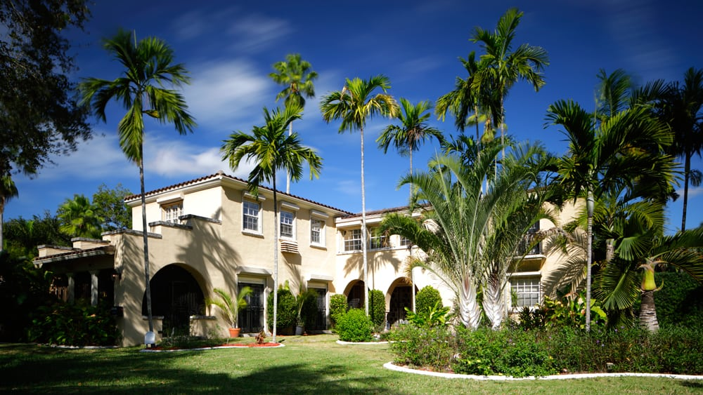 painted Florida mansion